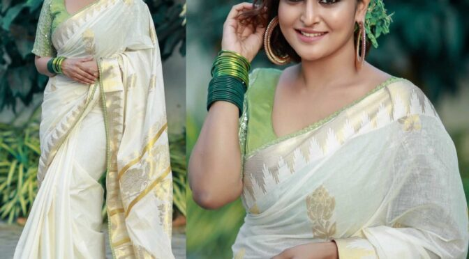 Onam 2020 : Ramya Nambessan in traditional kasavu saree!