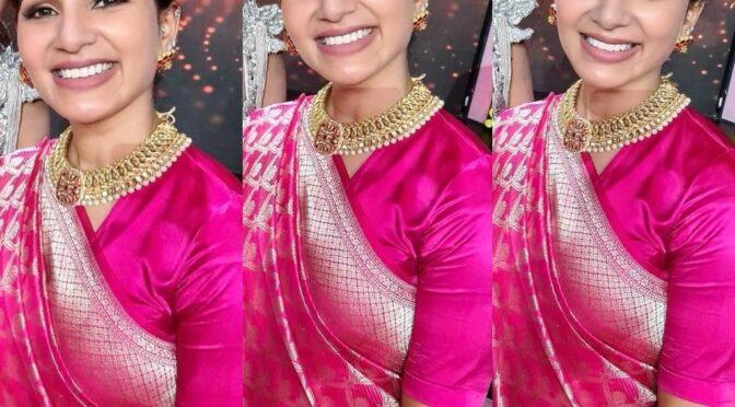 Samantha in pink Benarasi saree on the sets of Bigg Boss Telugu 4!