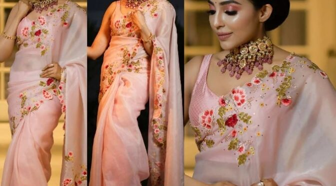 Parvati Nair looking gorgeous in pink embellished organza saree by Studio 149!