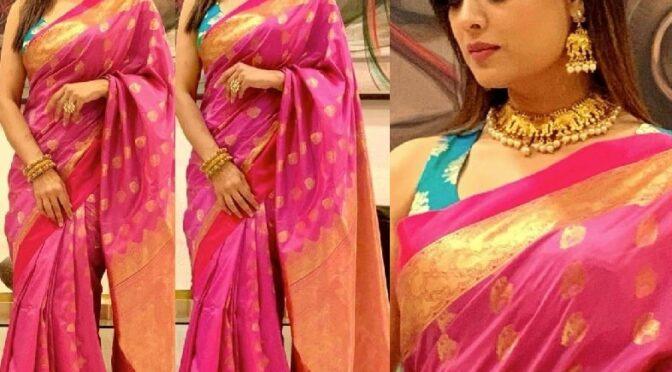 Shweta Tiwari's in a pink silk saree for Dadasaheb Phalke Icon Award 2020!