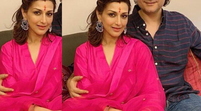 Sonali bendre Celebrates Karwa Chauth festivel in a simple pink salwar!