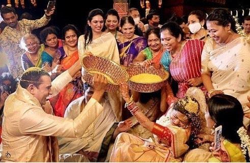 Few more wedding photos of Singer Sunitha!