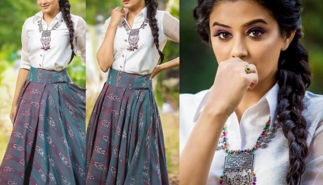Priyamani stuns in indo western look!