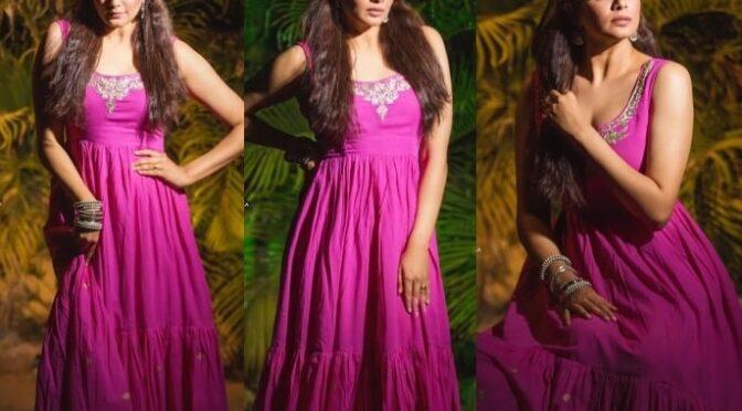 Priyamani Raj looking beautiful in magenta dress for Dhee13!