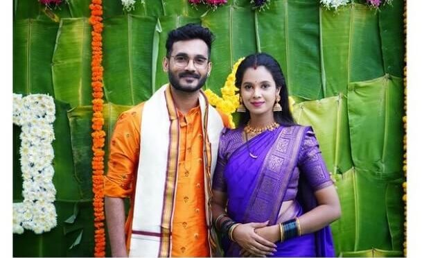 Anusha Hegde and prathap in traditional outfits!