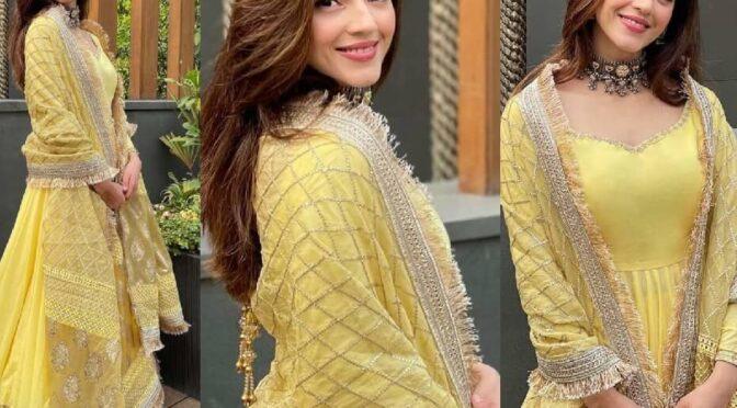 Mehreen Pirzada looking beautiful in yellow anarkali by Faiza Saqlain.