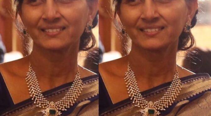 Nithiin's mother Vidhya Reddy in a diamond jewellery!