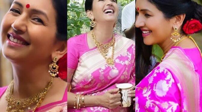 Deepthi Bhatnagar ( pellisandadi movie fame) stuns in pink banarasi silk saree