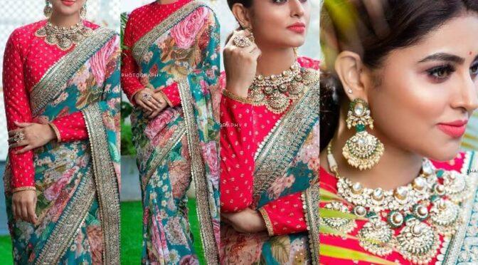 Actress Sneha prasanna stuns in floral print saree by Geetu haute couture!